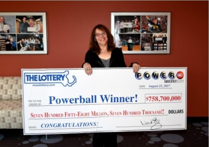 ganadora del premio de $ 758.7 millones del Powerball