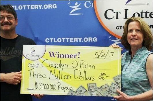 Carolyn O'Brien, una mujer de Connecticut que reclamó un premio de lotería de $3 millones en mayo de 2017