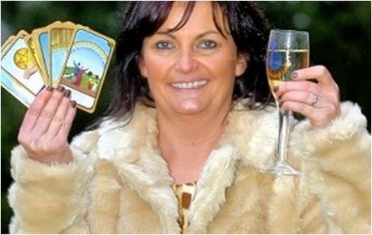 la peña organizada por la vidente ganó 1 millón de libras en la rifa de EuroMillones de ese mismo año